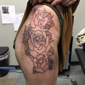 Sexiest Thigh Tattoos for Girls design ideas