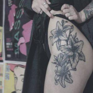 Flirty Girl Leg Tattoos Designs to Increase