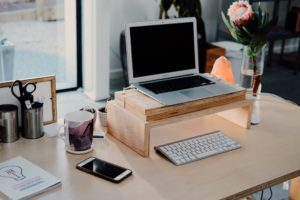 HOW TO BECOME A SUCCESSFUL BLOGGER: A 14-STEP GUIDE