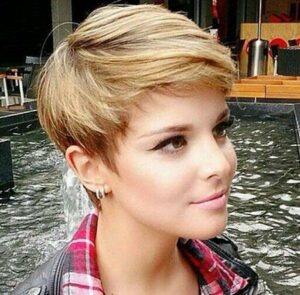 Sexy and Sophisticated Short Hairstyles for Women