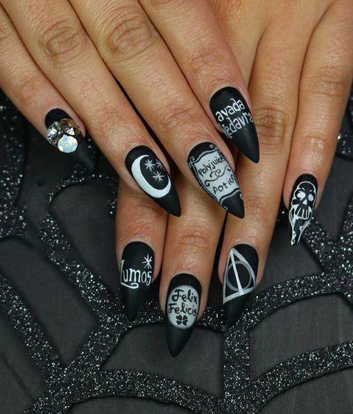 black gel nail art designs