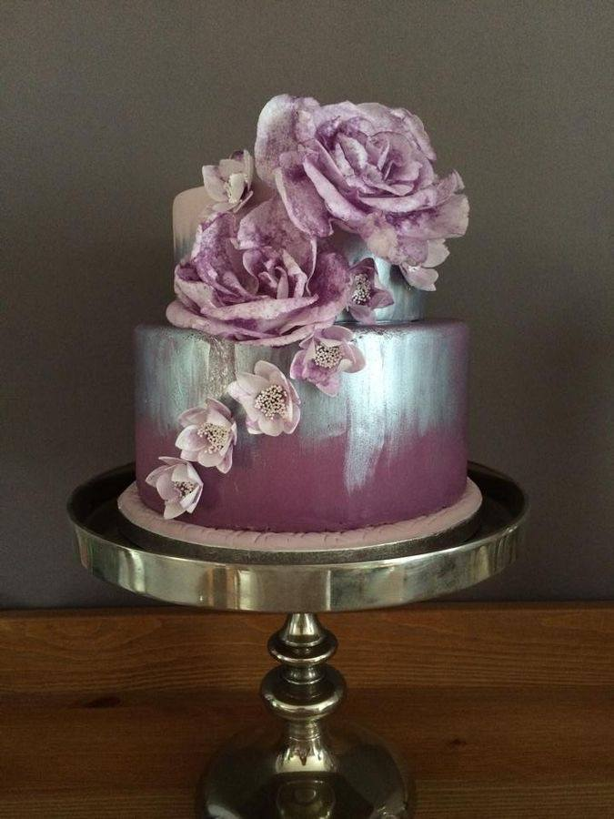 floral wedding cakes are amazing