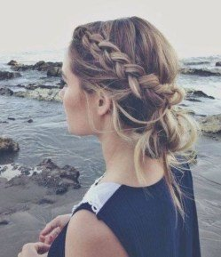 long curly hair styles are definitely the envy