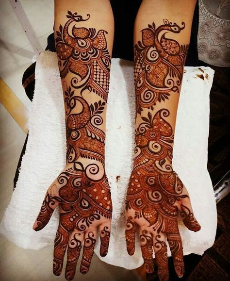 Henna artists use a special tube