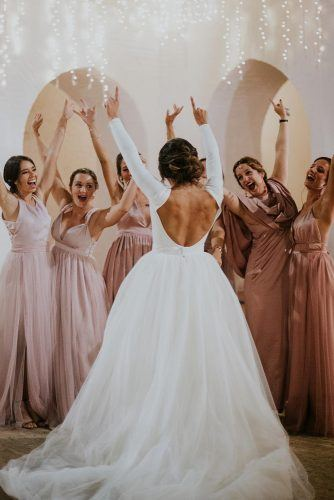Working with your wedding photographer