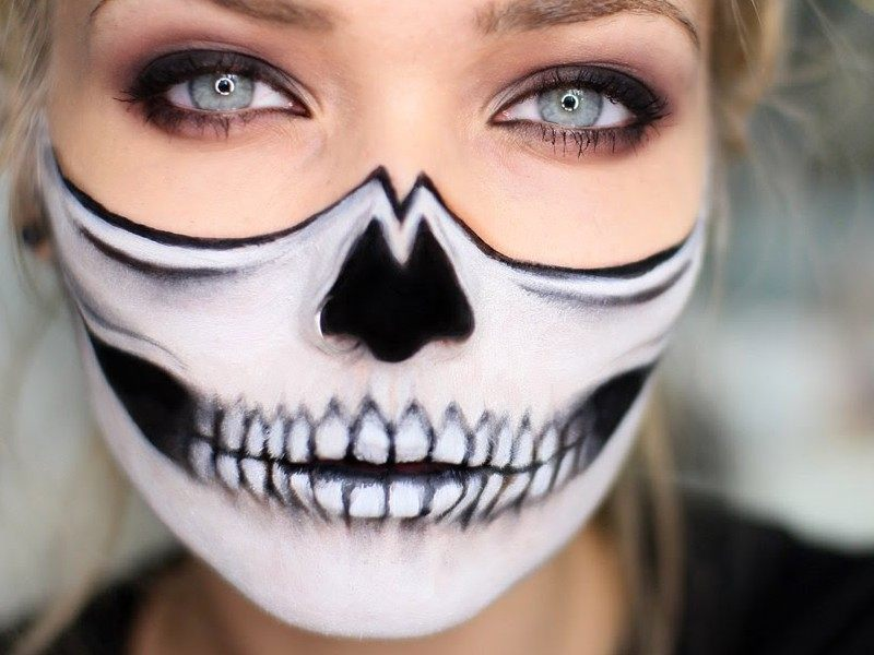 skull face halloween makeup for ladies design