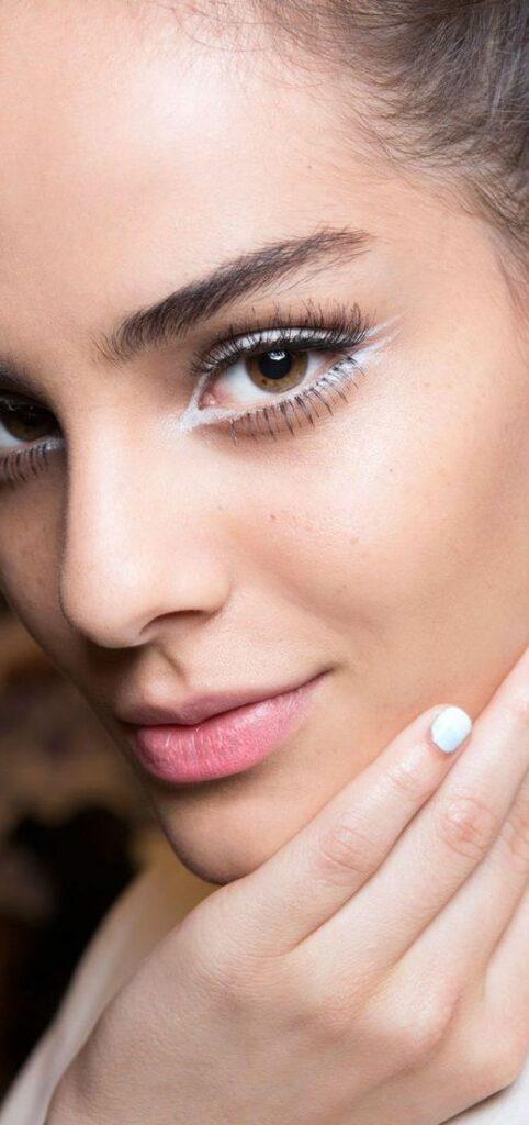 white eyeliner gel