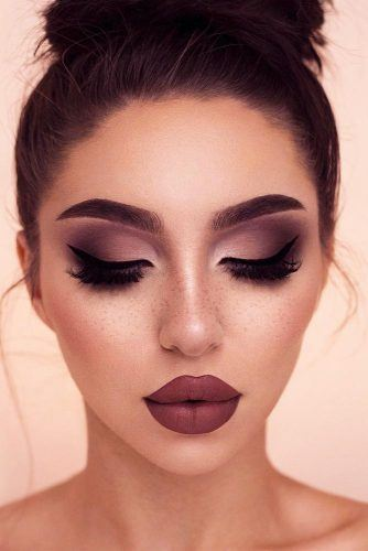 smokey eyes makeup look