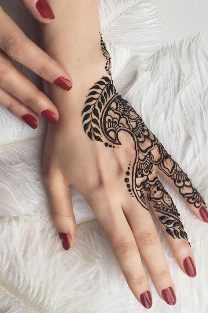 ladies simple tattoo mehndi designs for hands