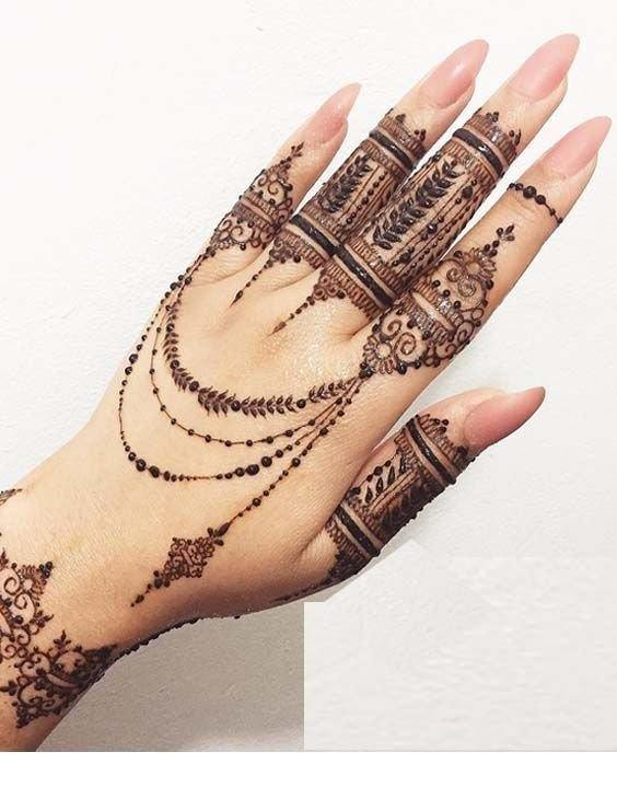 apply henna mehndi tattoo