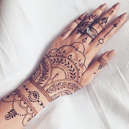 henna tattoo cute designs on women hand