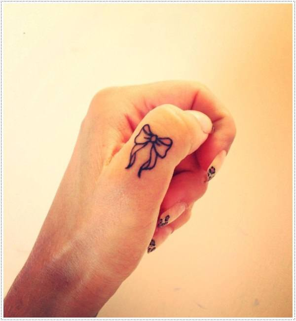 cool small tattoos on finger