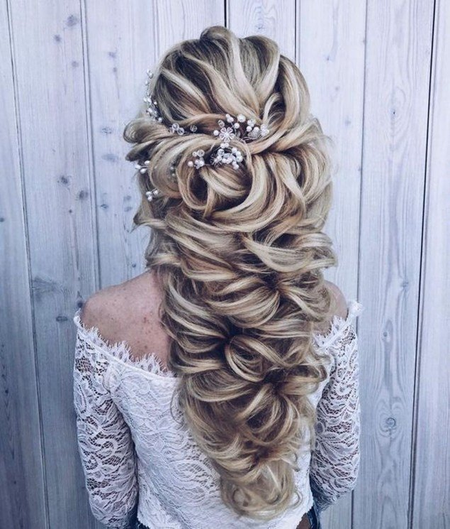 curly simple bridesmaid hair pictures