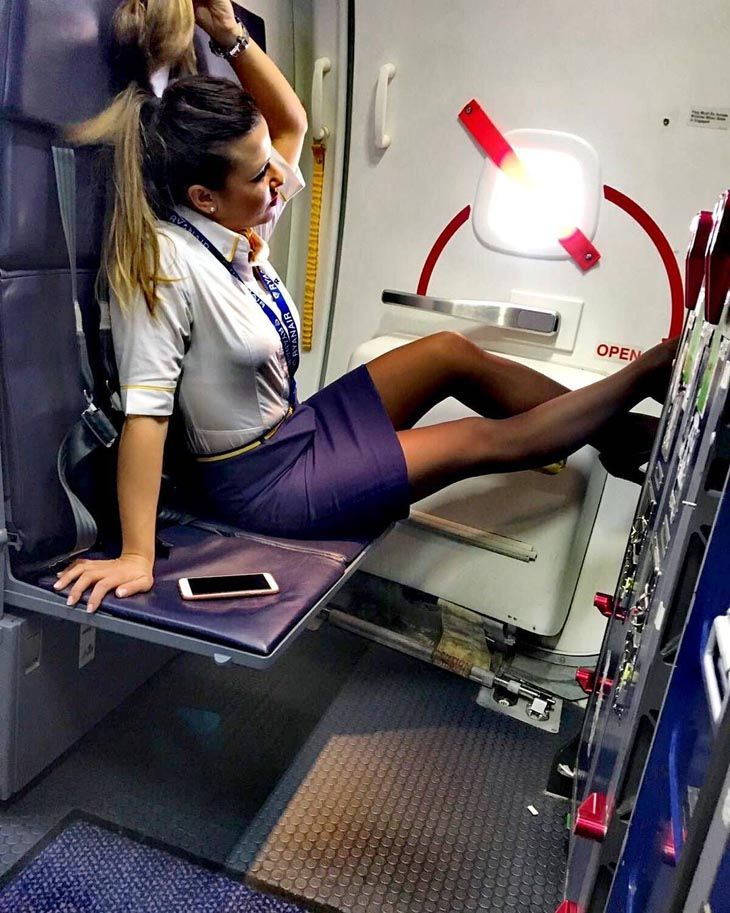 emirates cabin crew requirements for female