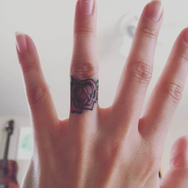 red rose tattoo designs for girls on finger picture
