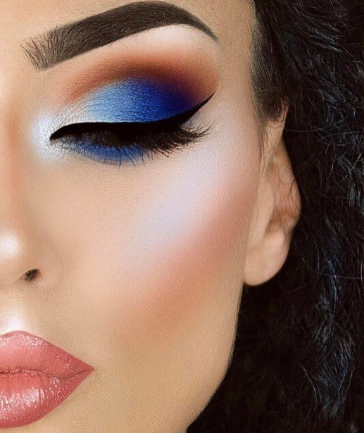 blue and white eye makeup