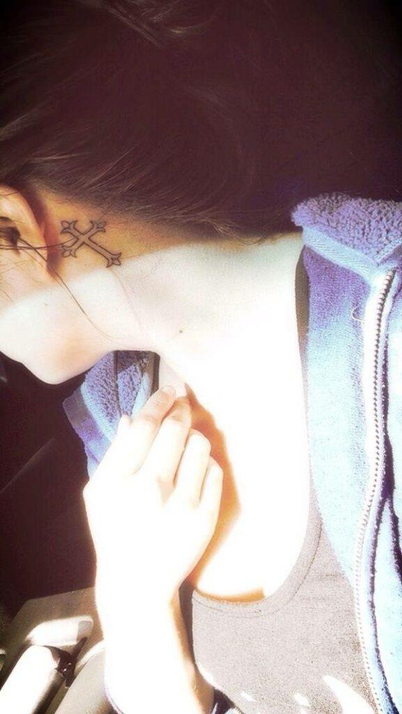 beautiful cross back tattoos for girls