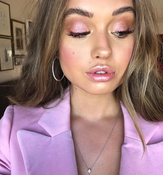 light pink and black eyeshadow