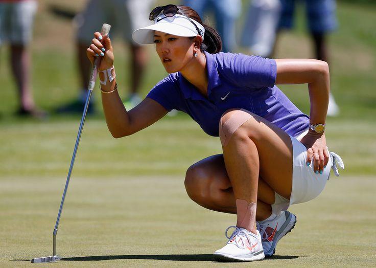 sexiest golfer female body curves