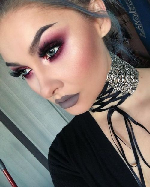 eye makeup with pink eyeshadow