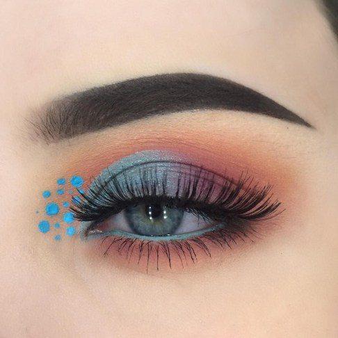 best make blue eyes pop stars