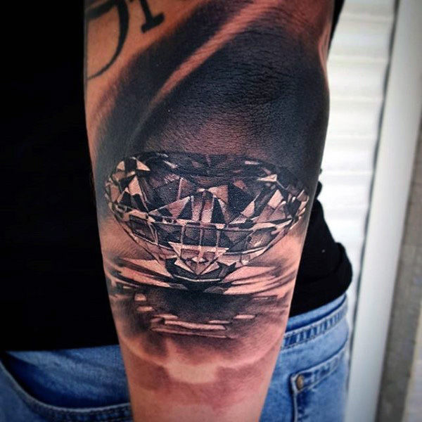 diamond tattoo traditional
