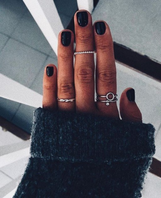 black winter inspired nails images