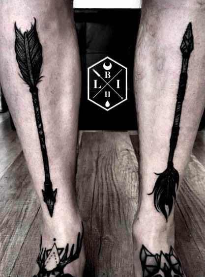 unique arrow tattoo on leg ideas