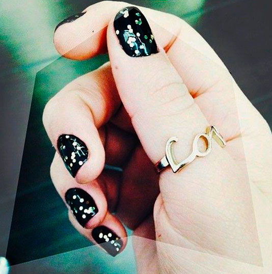 white nail design doesn't have to be