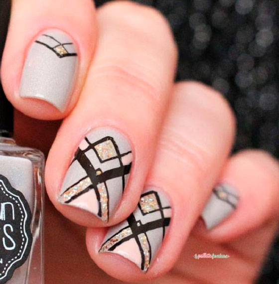 nails geometric with black line