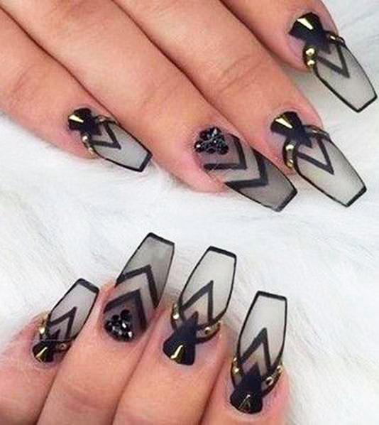 black abstract nail design ideas