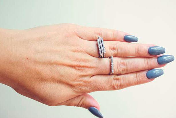 best short natural acrylic nails