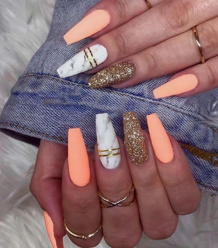 simple christmas acrylic nails