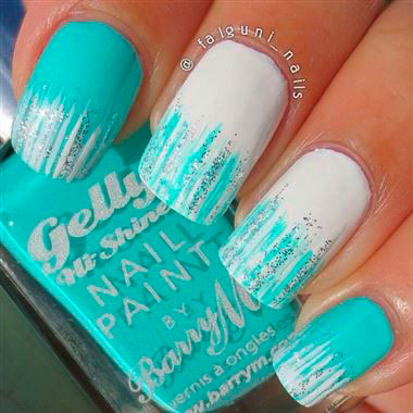 light mint green nails
