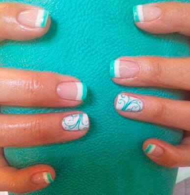 mint green short nails images
