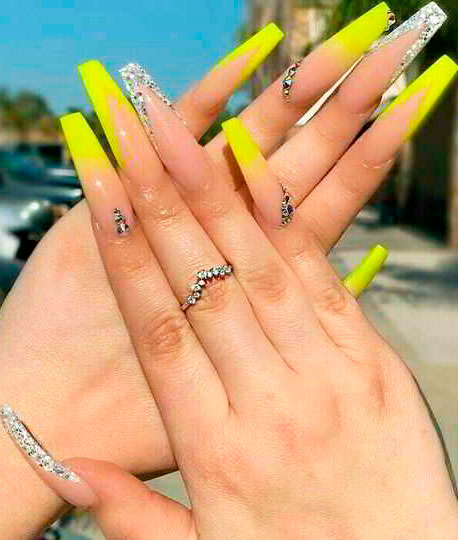 Stunning Yellow Acrylic Nail Art Designs