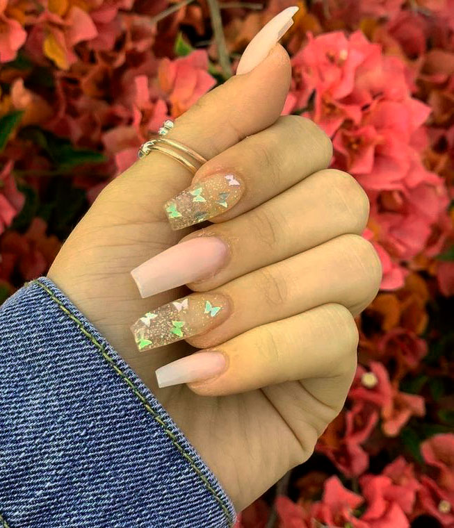 Stunning Acrylic Nail Ideas to Express Your