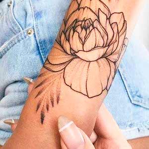 Cool flower Tattoos For women in 2021