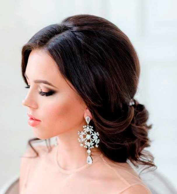 Hairstyles for Special Occasions & Seasonal Trends