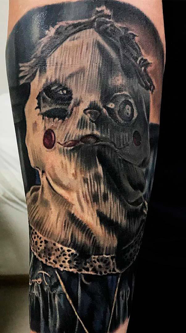 Horror Tattoo on guy leg